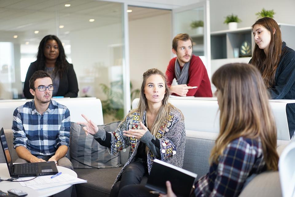 Drukarka w małej firmie – jaką pełni rolę?